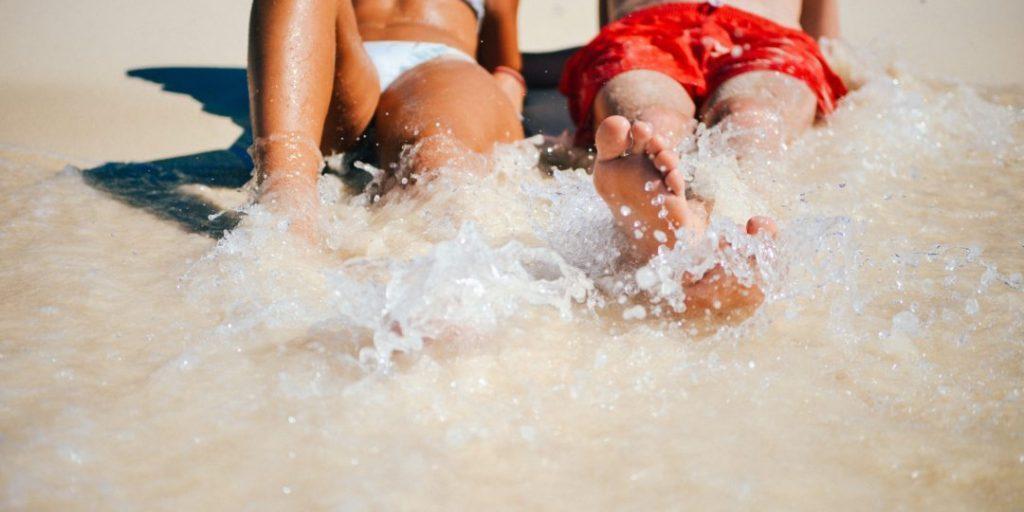 beach-feet-holiday-5331-1080x675